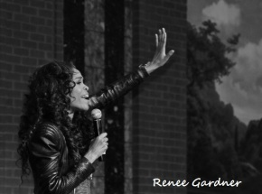 Michelle Williams performance 3 (640x475)